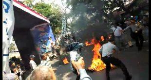 Anggota Polisi di Cianjur Dibakar Saat Aman Demo | merdeka.com – merdeka.com