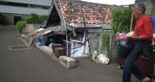 Cerita Pemilik Rumah Bertahan Hidup di Halaman Thamrin Executive Residence | merdeka.com – merdeka.com