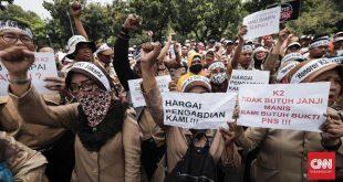 Guru dan Tenaga Medis Honorer Prioritas Jadi PNS atau PPPK – CNN Indonesia