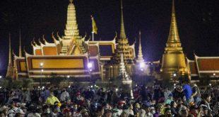 Tak Lagi Tabu, Tahta Raja Thailand 'Digoyang' Mahasiswa – CNBC Indonesia