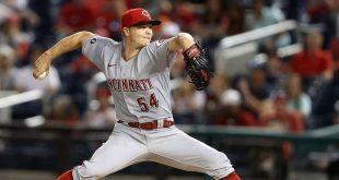 Sonny shines in nightcap, earns 1st 'W' – MLB.com